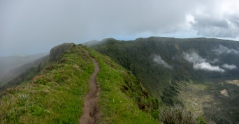 Caldeira, Faial, Azores, Portugal (2-picture panorama, 18mm, f5.6, 1/420s, ISO 200, PPL2-Enhanced)