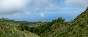 Caldeira, Faial, Azores, Portugal (4-picture panorama, 18mm, f5.6, 1/680s, ISO 200, PPL2-Enhanced)