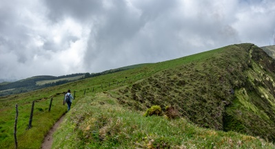 Caldeira, Faial, Azores, Portugal (2-picture panorama, 18mm, f5.6, 1/750s, ISO 200, PPL2-Enhanced)