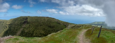 Caldeira, Faial, Azores, Portugal (4-picture panorama, 18mm, f5.6, 1/1000s, ISO 200, PPL3-Altered)