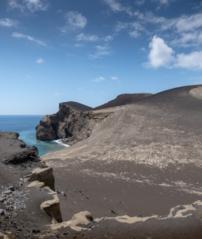 Capelinhos Lighthouse, Faial, Azores, Portugal (2-picture panorama, 18mm, f5.6, 1/950s, ISO 200, PPL2-Enhanced)