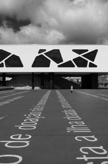 Santa Cruz, Flores, Azores (18mm, f5.6, 1/1500s, ISO 200, PPL2-Enhanced)