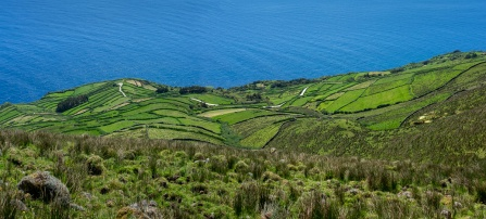 Corvo, Azores (2-picture panorama, 35mm, f7.1, 1/350s, ISO 200, PPL3-Altered)