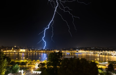 Summer storm in Budapest, Hungary (2-picture composite (10mm, f9, 25s, ISO 200, PPL3-Altered)