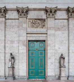 Basilica, Esztergom, Hungary (10mm, f4, 1/80s, ISO 3200, PPL3-Altered)