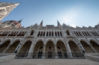Hungarian Parliament Building, Budapest, Hungary (3-picture composite, 10mm, f8, 1/1700s, ISO 200, PPL2-Enhanced)