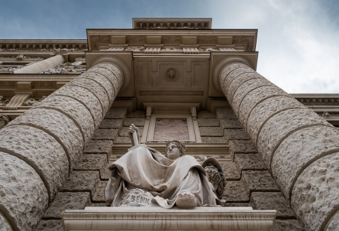 Kunsthistorisches Musuem, Vienna, Austria (20mm, f5.6, 1/180s, ISO 200, PPL1-Corrected)