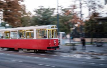 Vienna, Austria (35mm, f2.8 1/15s, ISO 200, PPL3-Altered)