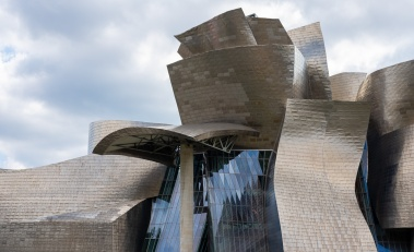 North view of the Guggenheim Museum, Bilbao, Spain (PPL3-Altered)