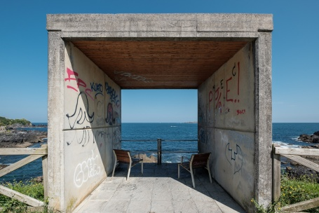 Chairs overlooking the ocean, Mundaka, Spain (PPL1-Corrected)