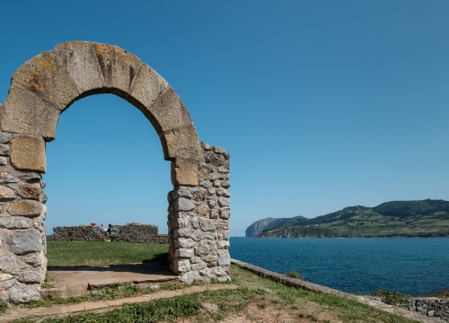 Arch on southeast side of Hermitage of Saint Catherine, Mundaka, Spain (PPL1-Corrected)
