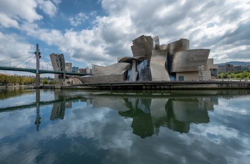 Guggenheim Museum seen from across the estuary, Bilbao, Spain (PPL3-Altered)