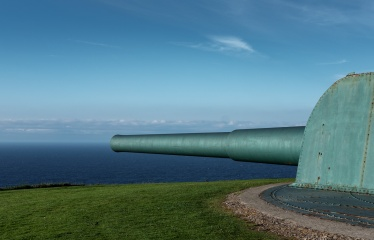Old Vickers cannons at St. Peter's Hill, A Coruña, Galicia, Spain (PPL3-Altered)